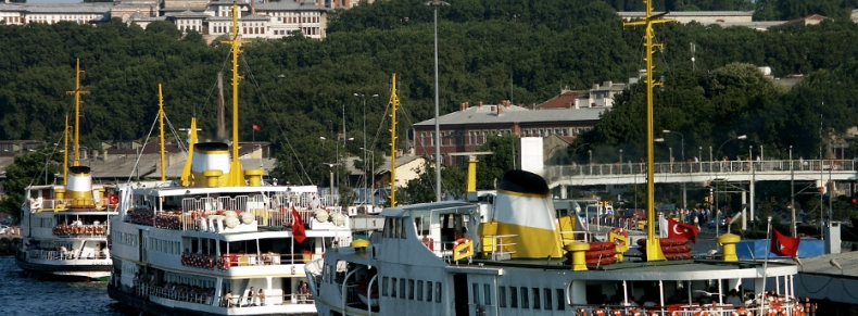 Ferries sur le Bosphore