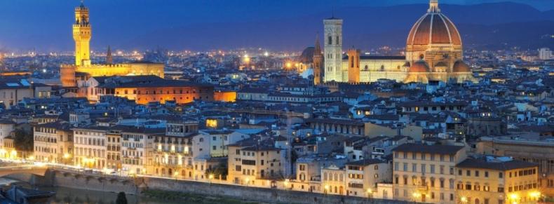 Florence à la nuit tombée